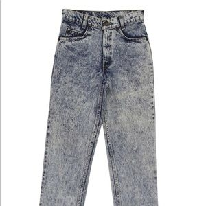 levi's | high waisted jean shorts (vintage)
